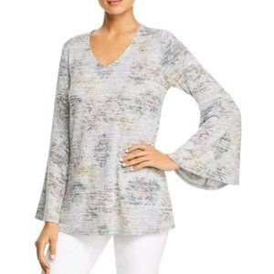 NWT Cupio Blush Floral V Neck Top